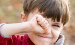 Itchy eyes may be a sign that your child suffers from allergies.