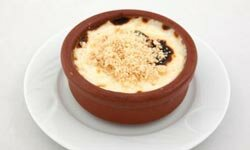 Creamy rice pudding has much less sodium than chocolate pudding.
