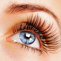 If only we all had naturally full eyelashes.