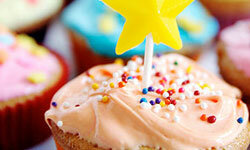"""Classic cupcakes are definitely a superhero party """"Do."""""""