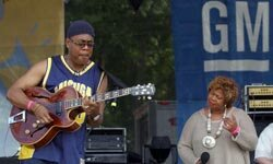 Piedmont Park in Atlanta hosts many event like this jazz festival.  Having the event in the day is a green choice.
