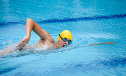 Aerobic exercise, especially swimming, can lower one's risk of diabetes.