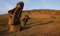 There are nearly 900 maoi on Easter Island.