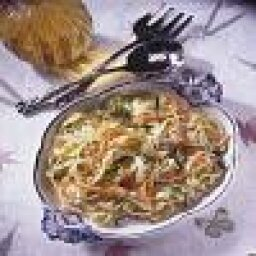 Pasta with Fresh Vegetables in Garlic Sauce