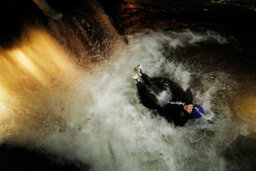How Black Water Rafting Works