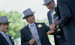 A Groom's Ultimate Guide to Choosing Groomsmen