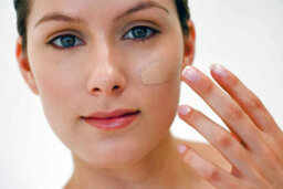 Using Makeup to Conceal Birthmarks