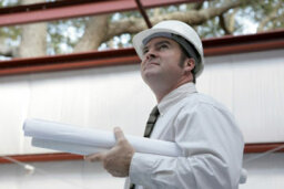 What does a construction manager do?