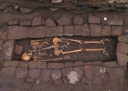Medieval Coffin Yields Fascinating Skeleton