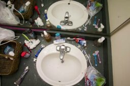 How to Keep Your Dorm Bathroom from Becoming a Biohazard