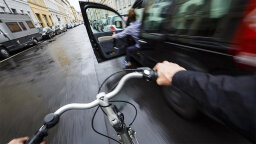 The 'Dutch Reach' Prevents Bike Crashes