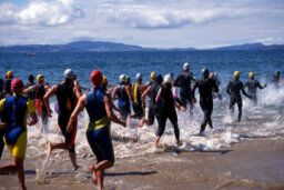 How to Get a Fast Triathlon Swim Start