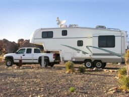 How Fifth Wheel Hitches Work