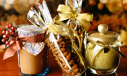 Top 5 Gourmet Food Gifts That Won't Be Regifted