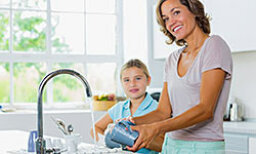 Housecleaning Habits to Teach Your Kids