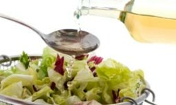 10 Homemade and Healthy Salad Dressings