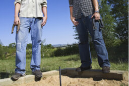 How to Build a Backyard Horseshoe Pit
