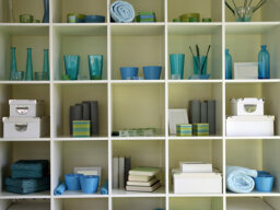 How to Organize Shelves