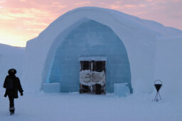 How an Ice Hotel Works
