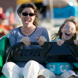 5 Tips for Keeping Kids Safe at Theme Parks