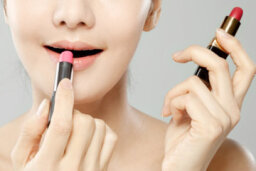 How are lip stain and lipstick different?
