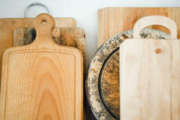 How to Maintain a Clean Cutting Board