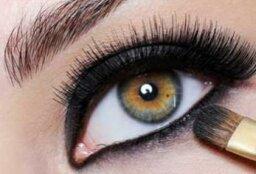 Kristofer Buckle's Eye Makeup Tips