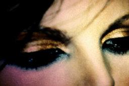 How to Use Metallic Finish Makeup