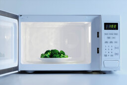 Do microwaves kill nutrients in food?