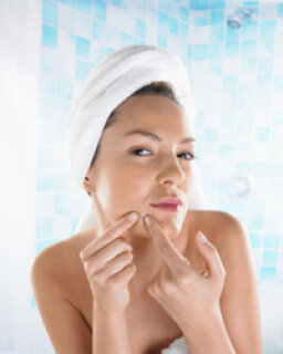 Top 10 Tips for Moisturizing Acne-prone Skin