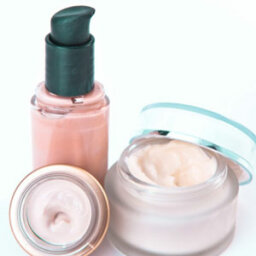 Setting the Stage: Moisturizer, Concealer and Foundation Tips
