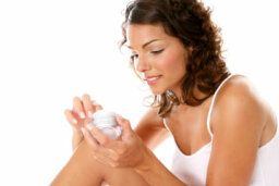 How to Moisturize Your Body
