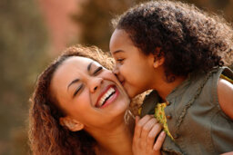 How to Carve Out Mother-Daughter Bonding Time