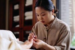 Do nail salon workers have a higher incidence of cancer?