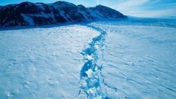 Antarctic Ice Shelf Melting From the Inside Out, Which Is Not a Good Thing