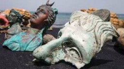 Divers Find Roman-era Sunken Treasure in Shipwreck Off Israel