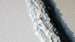 How Concerned Should We Be About This Massive Crack in Antarctica?