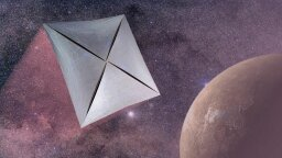 Stephen Hawking Plans to Send Tiny Nanocraft to Alpha Centauri