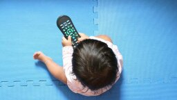 Going to Let Your Toddler Watch TV? Better Watch With Them