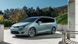 Chrysler Builds the First Plug-in Hybrid Minivan (You Know You Want It.)