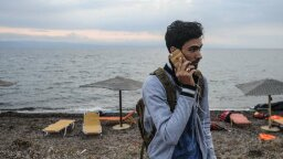 Refugees Survive on Aid and Apps