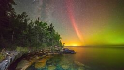 'Steve' Lights Up Night Sky and Puzzles  Astronomers