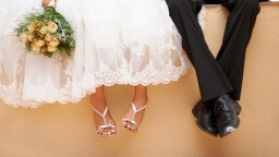 More U.S. Brides Are Keeping Their Maiden Names, for New Reasons