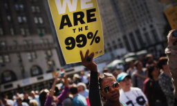 Is it true that 1 percent of Americans control a third of the wealth?
