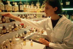How Perfumers Work