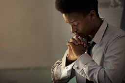 Why do people close their eyes to pray?