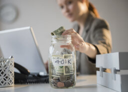 5 Differences Between Roth and Traditional 401(k)s