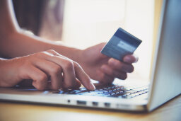10 Tips for Selling Products Online