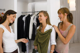 Women's Guide to Shopping for Clothes