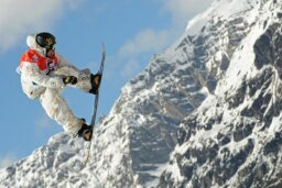 10 Best Snowboarding Spots in the United States